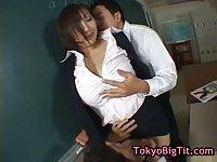 Hinano Sakaki in hot threesome