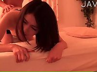 Japanese Babe Gets Screwed On A Bed