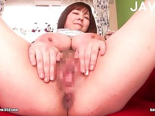 Titty japanese shows her pussy | Big Boobs Update